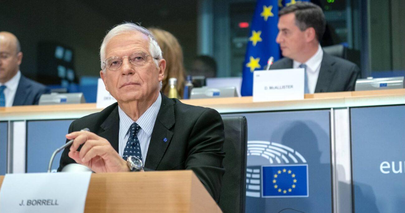 """Josep Borrell, indicó que la nueva Constitución debe ser """"fruto del diálogo abierto y democrático entre los ciudadanos"""". TWITTER/JOSEPBORRELL"""
