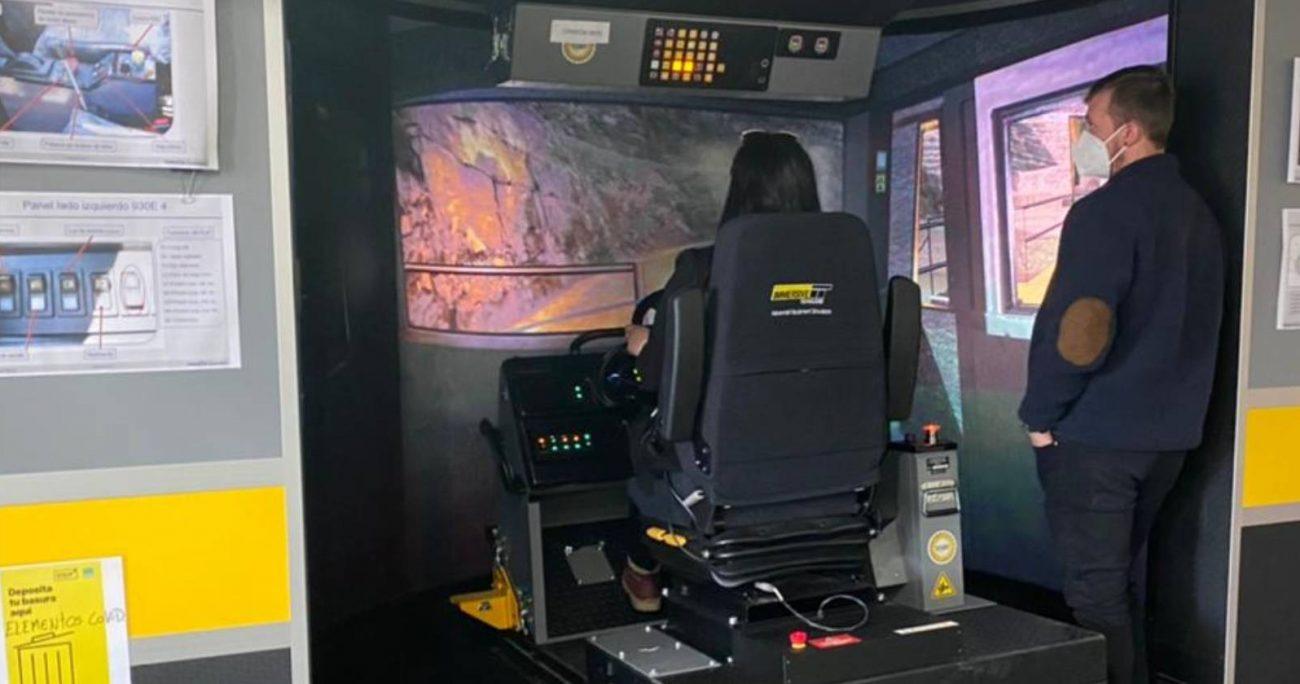 La capacitación contempla clases teóricas y prácticas; primero a través de un simulador y luego en la operación.