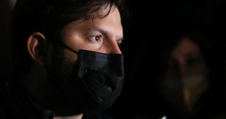 Gendarmería allanó módulo 12 que visitó Boric: hallaron celulares, armas blancas y licor artesanal