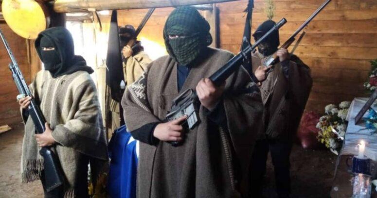 """""""Con escopetas y fusil M-16: guardia armada custodia cuerpo de Pablo Marchant"""""""