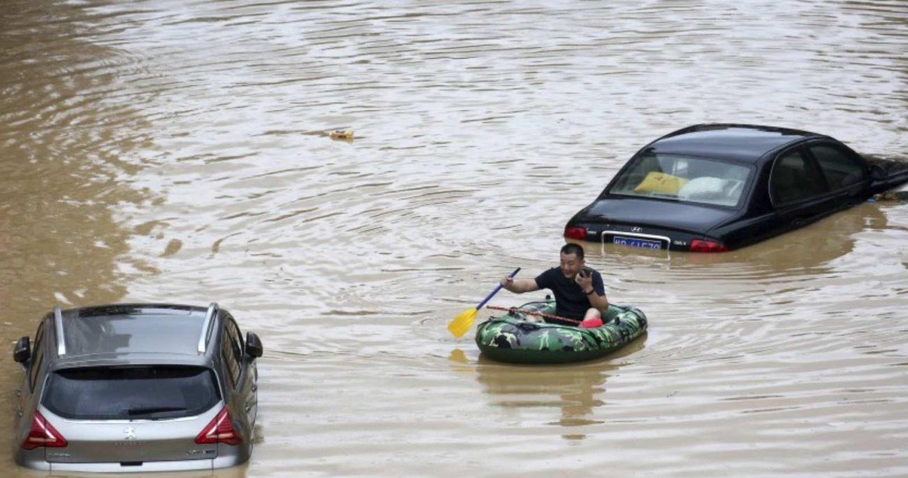 En medio de los violentos aluviones, los servicios de emergencia decretaron una alerta de nivel 2.