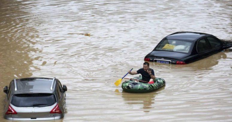 """""""Inundaciones en China dejan al menos 26 muertos y 100 mil personasevacuadas"""""""