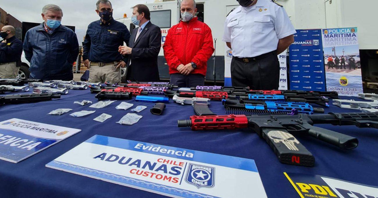 El armamento venía desarmado y distribuido para dificultar su detección. PDI