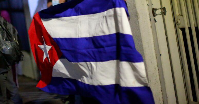 """""""Cuba autoriza a viajeros importación de alimentos y medicamentos sin aranceles"""""""
