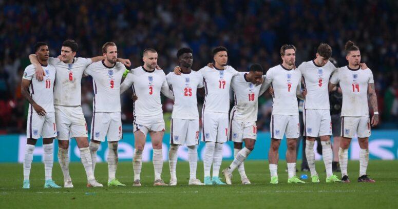 """""""Jugadores ingleses que perdieron los penales en final de la Eurocopa recibieron insultos racistas"""""""