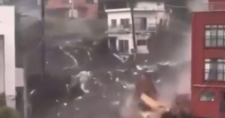 """""""Encuentran a seis sobrevivientes tras deslizamiento de tierra en Japón"""""""