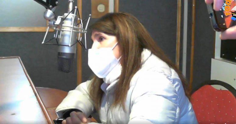 """VIDEO – """"Yo le estoy respondiendo"""": la complicada entrevista de Paula Narváez en una radio de Chiloé"""