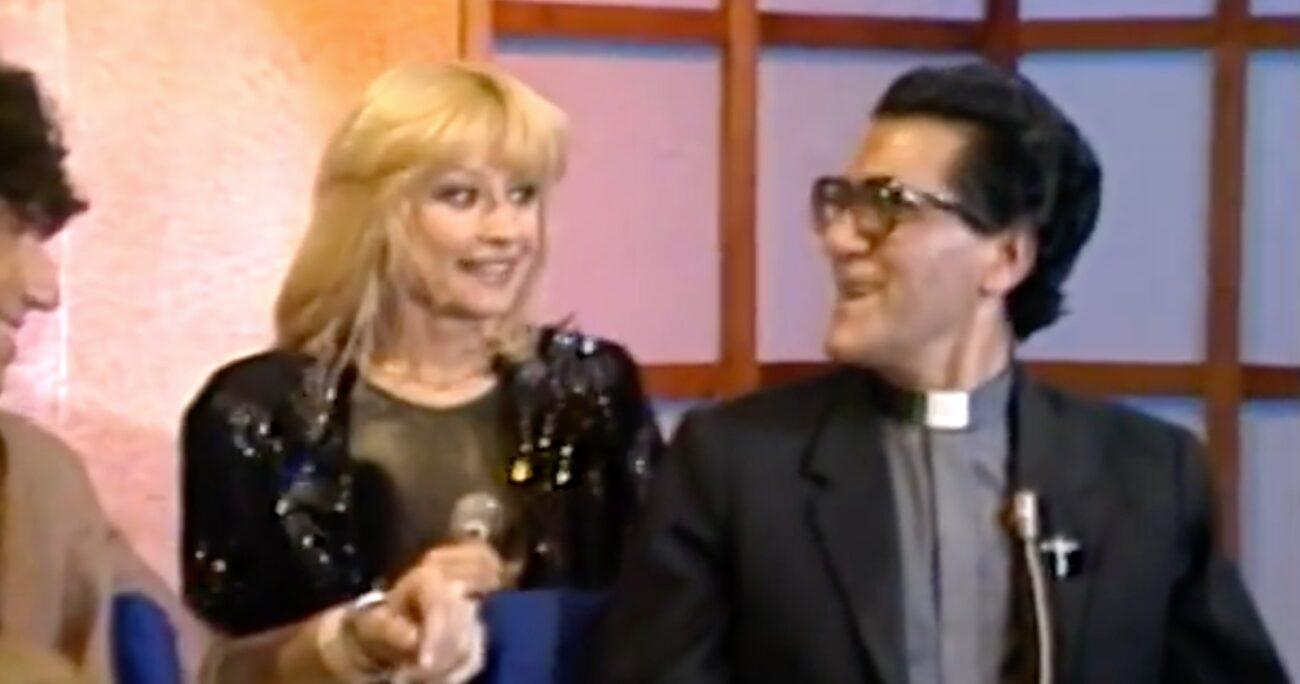 El programa fue emitido en 1980 donde la italiana compartió con el sacerdote.