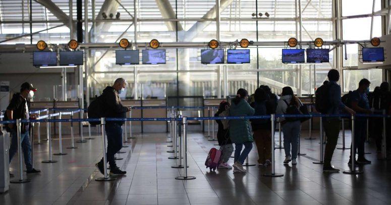 """""""Movilh espera acciones legales contra médico que agredió a funcionarios en aeropuerto"""""""