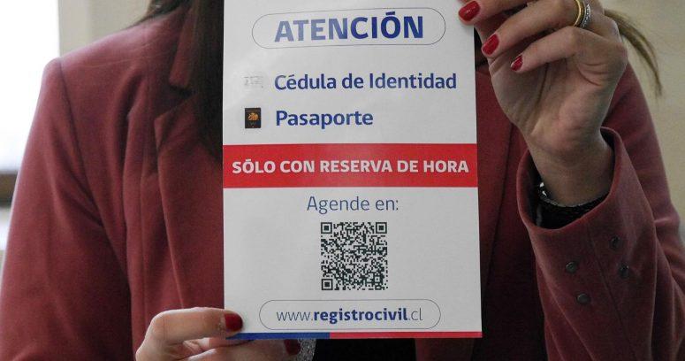 """""""Registro Civil responde a polémica por licitación de cédulas de identidad y pasaportes"""""""