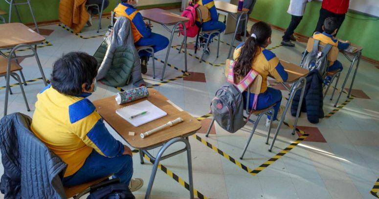 """""""OMS y Unicef piden a los países europeos abrir los colegios"""""""