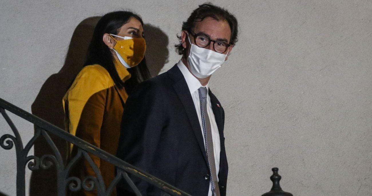 Por su parte, Raúl Figueroa compareció ante la prensa, calificando de positiva la jornada. AGENCIA UNO