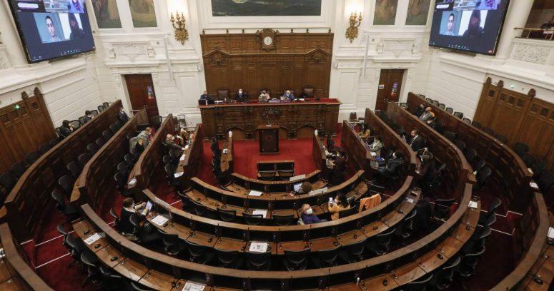 Silenciar, censurar y reeducar: las sanciones de la Comisión Ética a los constituyentes