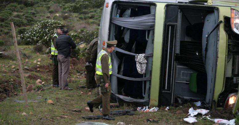 """""""Choque de tres camiones y un bus dejó 15 lesionados en la Ruta 5 Sur"""""""
