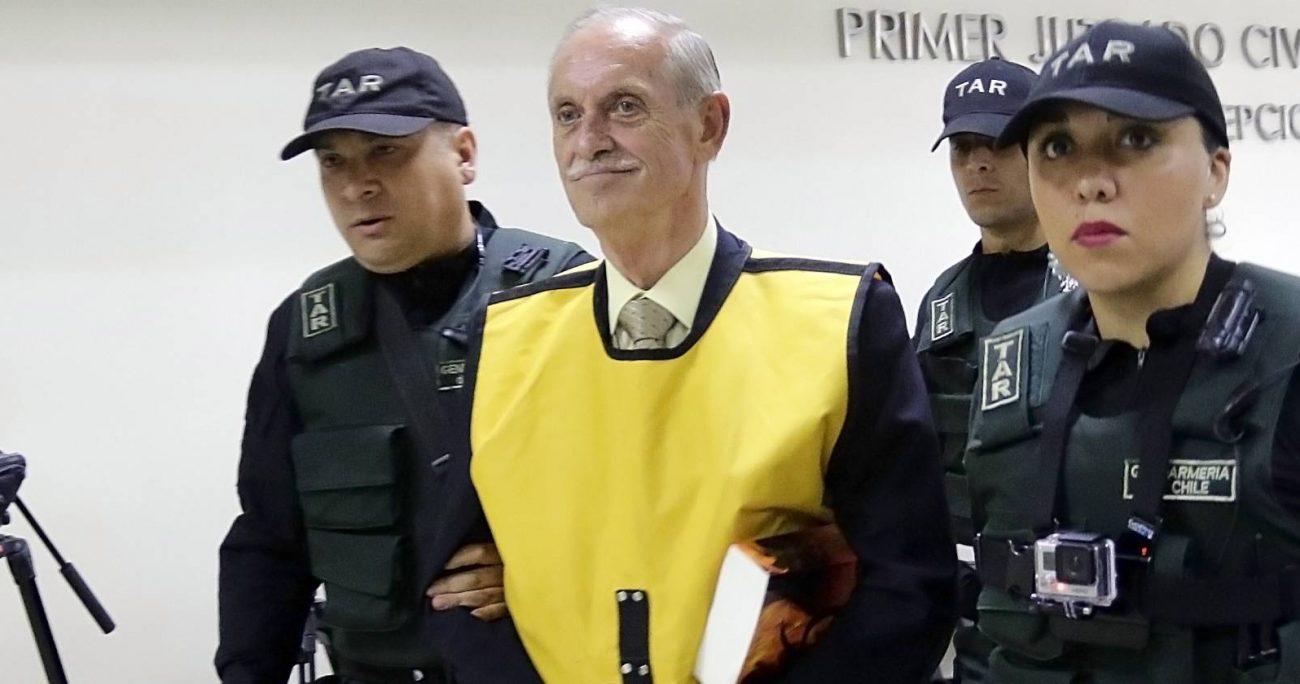 Miguel Krassnoff, brigadier del Ejército suma más de 80 condenas por delitos de lesa humanidad y cerca de 650 años de cárcel. AGENCIA UNO/ARCHIVO