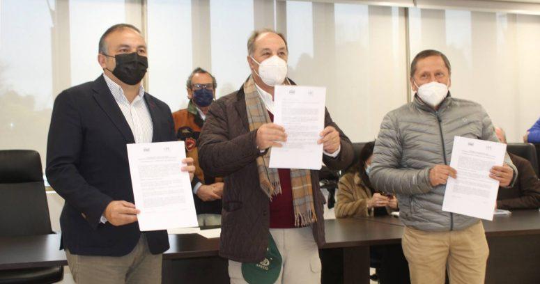 """""""Presidente de la CPC se reúne con autoridades y gremios de la provincia de Arauco con miras a contribuir a la paz social"""""""