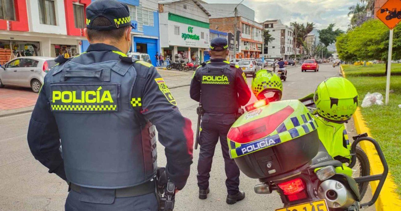 Los policías fallecidos fueron identificados como Mauricio Grueso Monterrosa y Wilber Alexander Silva. TWITTER/POLICIACOLOMBIA