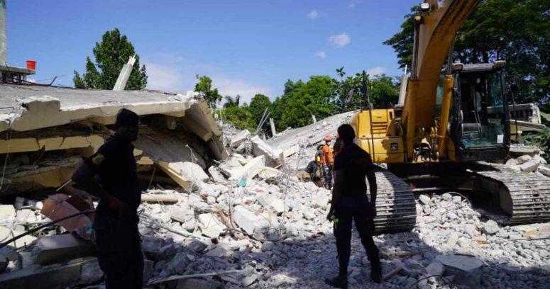 """""""Cifra de muertos por el terremoto de Haití sube a casi 2 mil"""""""