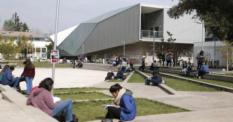 """""""Universidad de Chile tendrá 1.800 cupos de ingreso especial para el proceso de admisión 2022"""""""