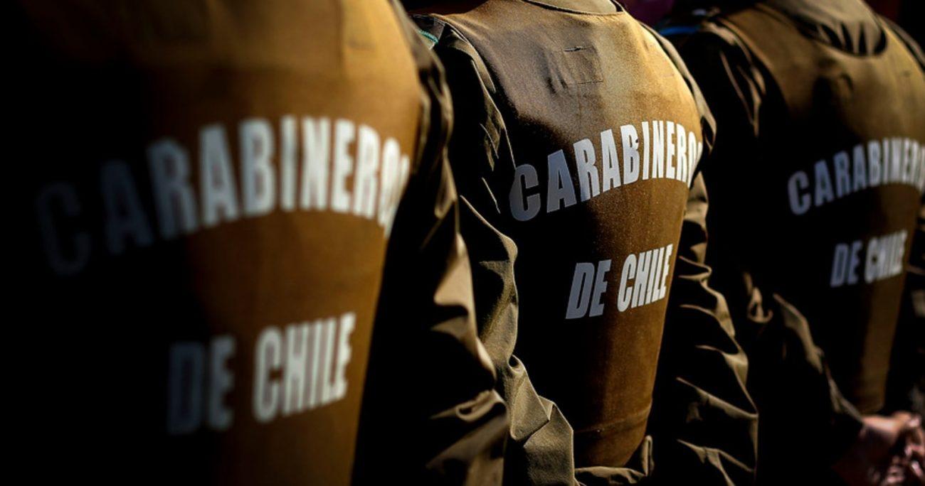Los detenidos son Marcelo Stevenson, de la 62º Comisaría de San Bernardo; y Sebastián Puestes, de la 59º Comisaría de Lampa. Este último portaba un arma particular, una pistola Glock calibre .40 modelo 23. AGENCIA UNO/ARCHIVO