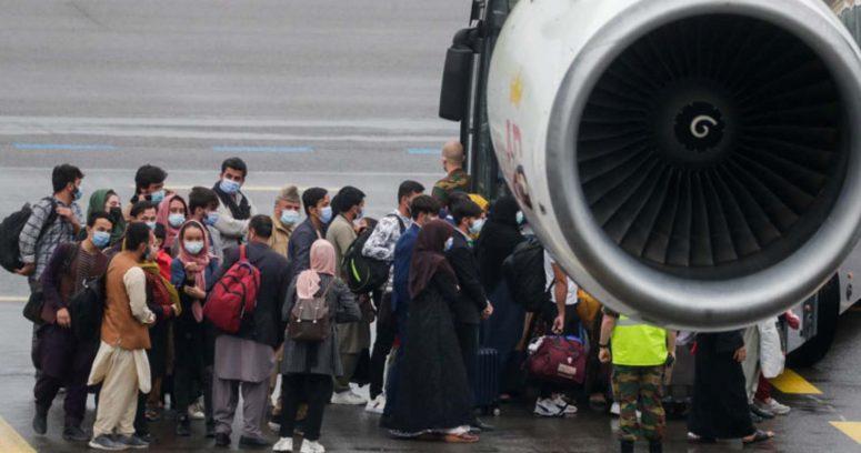 """""""Reino Unido y Francia piden extender plazo de las evacuaciones en Afganistán y talibanes advierten"""
