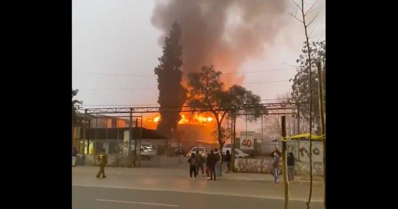 """""""Incendio en cité de Estación Central dejó a 30 personas evacuadas"""""""