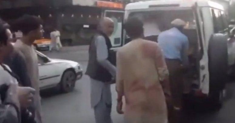 """""""Explosiones en Kabul dejan 60 muertos y 140 heridos: EE.UU. acusa al Estado Islámico"""""""