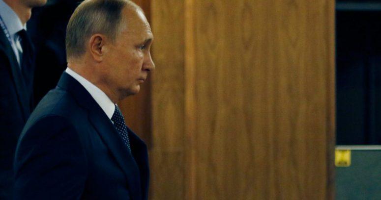 """""""Vladimir Putin en cuarentena tras casos de Covid-19 en su entorno"""""""