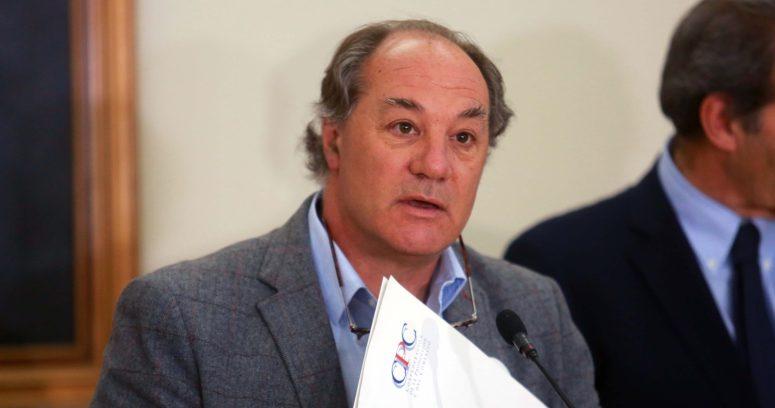 """Juan Sutil por ausencia de Boric en debate: """"Lamentamos que no haya podido subirse al árbol y mejorar su conectividad"""""""