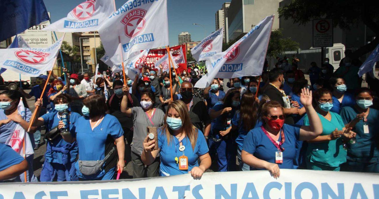 Los gremios de la salud adoptaron la resolución de tener, a lo menos, tres jornadas de movilizaciones. AGENCIA UNO/ARCHIVO