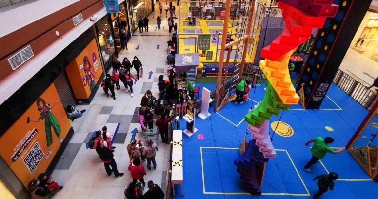 """""""Municipios respaldan proyecto que busca que grandes tiendas cierren a las 19:00 horas"""""""
