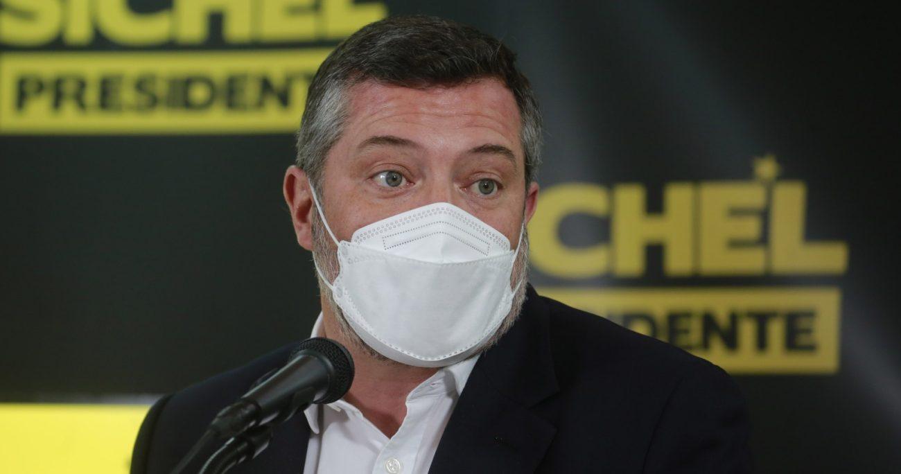 Sebastián Sichel también abordó la comparación que hizo Provoste de él con Sebastián Piñera. AGENCIA UNO/ARCHIVO