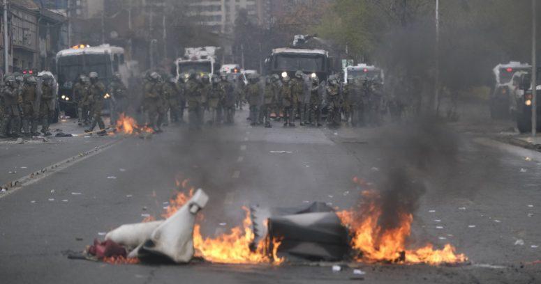 """""""Gobierno emplazó a organizadores por destrozos en marcha por el 11 de septiembre"""""""