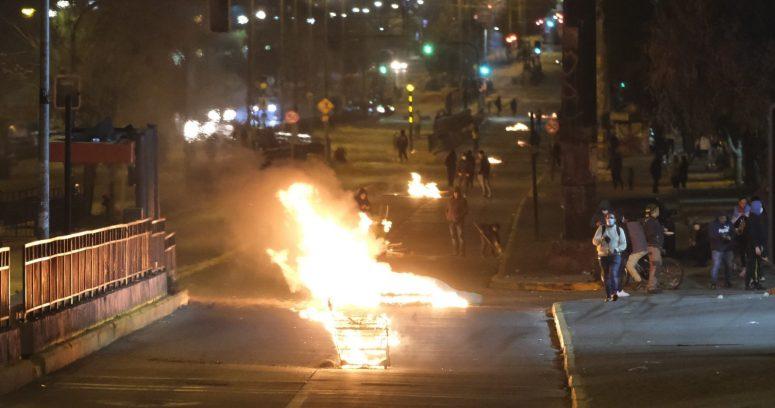 """""""Disturbios por conmemoración del 11 de septiembre dejaron 10 detenidos"""""""