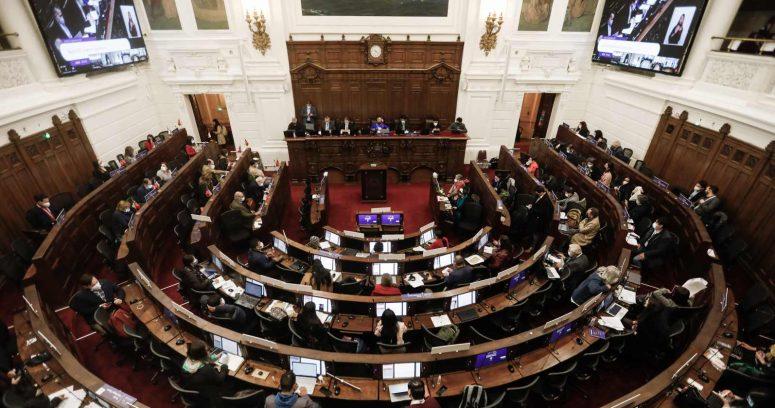 Convención rechaza incluir la libertad de enseñanza en temario de Comisión de Derechos Fundamentales