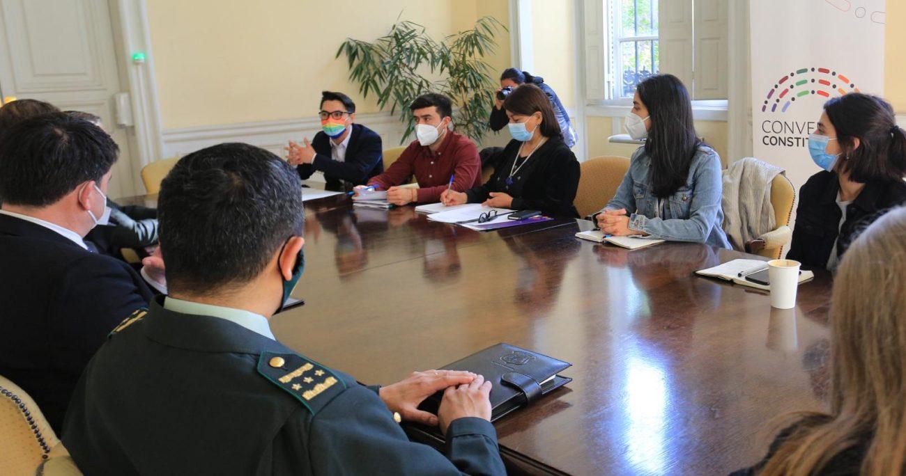 En la reunión también estuvo presente el subsecretario de Justicia, Sebastián Valenzuela; el director nacional de Gendarmería, Christian Alveal. AGENCIA UNO