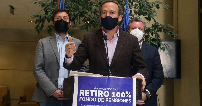 Alessandri reingresa proyecto de retiro del 100% de los fondos de pensiones