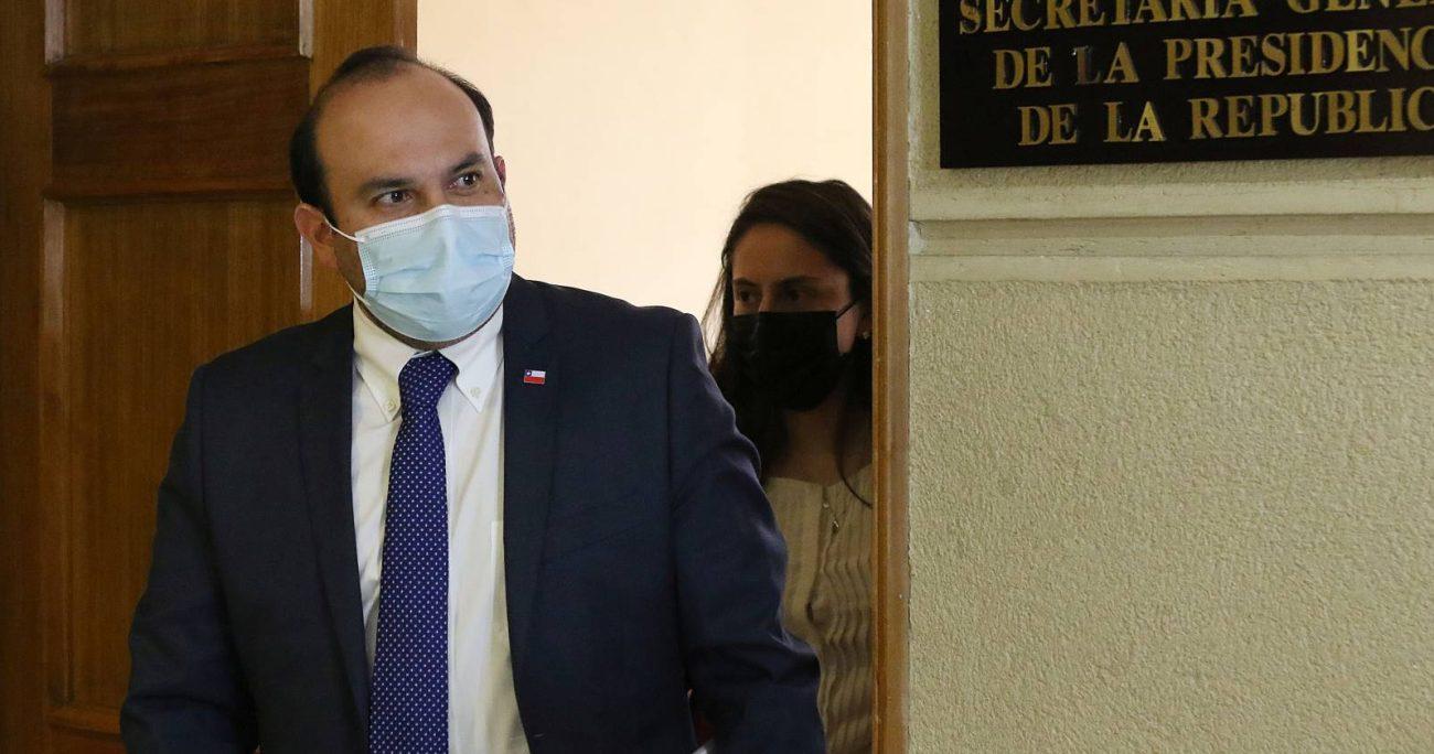 El subsecretario de la Segpres, Máximo Pavez, explicó las razones para establecer la urgencia. AGENCIA UNO