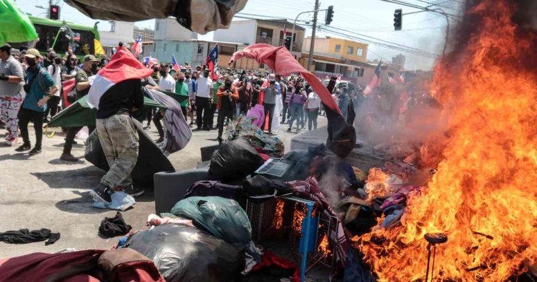 """""""La hoguera de Iquique, una vergüenza nacional"""""""