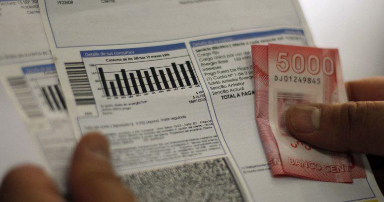 Cámara pide condonar deudas por servicios básicos a usuarios sin ingresos