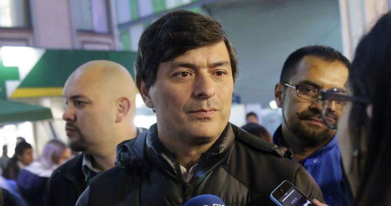 Candidato en problemas: denuncian que Parisi debe $200 millones en pensión alimenticia