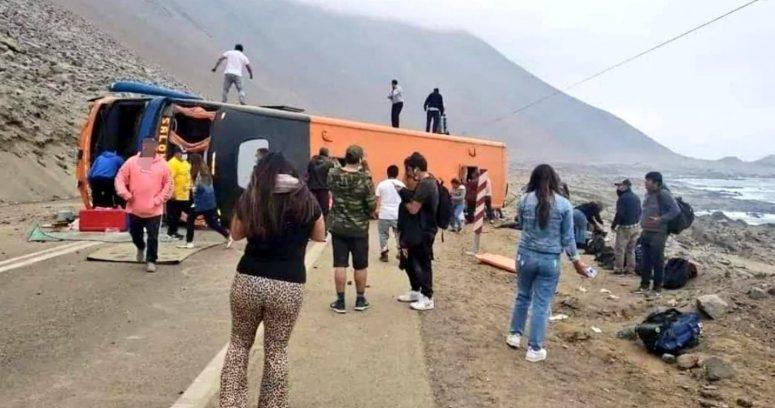 Bus vuelca las cercanías de Aduana El Loa y deja 40 lesionados