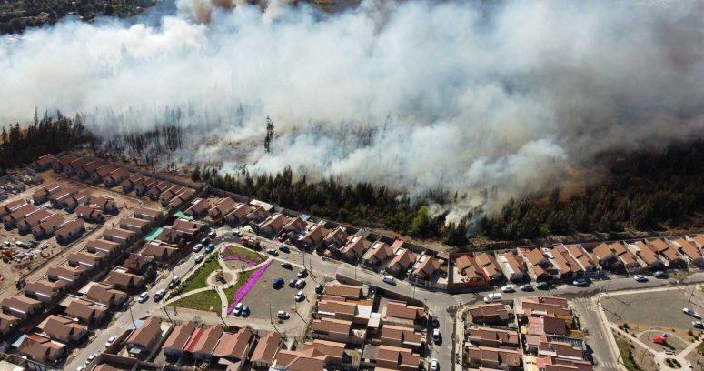 Onemi declara Alerta Roja por incendio forestal en Ovalle