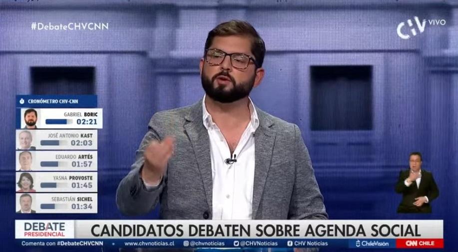 """""""Señor Piñera, está avisado, se le va a perseguir por las graves violaciones a los DD.HH. cometidas bajo su mandato"""", precisó Boric."""