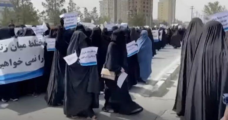 """""""Afganistán: talibanes segregarán por sexo el ingreso a la universidad"""""""