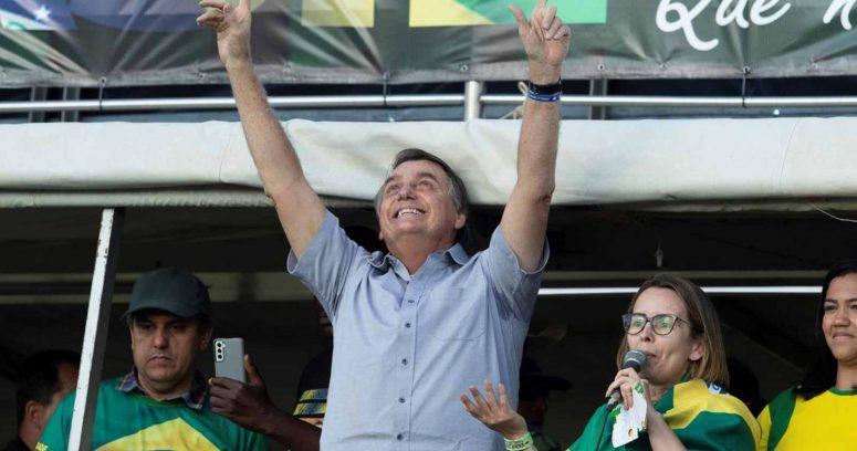 """""""Jair Bolsonaro amenaza a un juez de la Corte Supremaante una multitud de simpatizantes"""""""