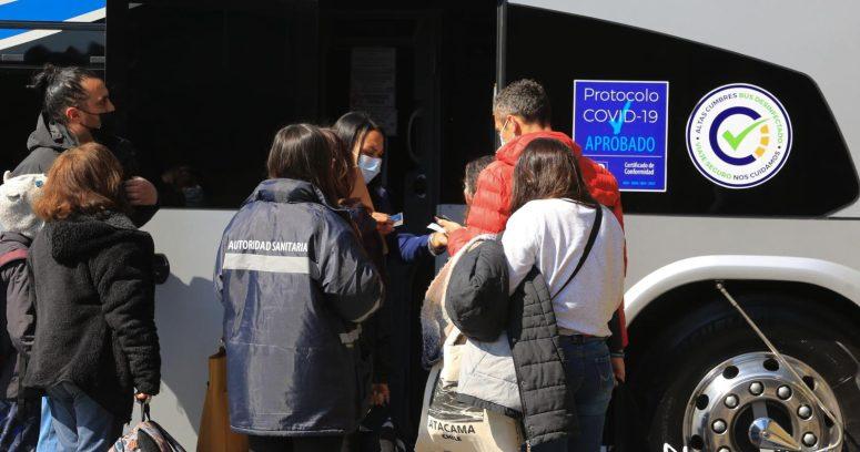 Seremi busca a pasajeros de bus donde se detectó caso de COVID-19