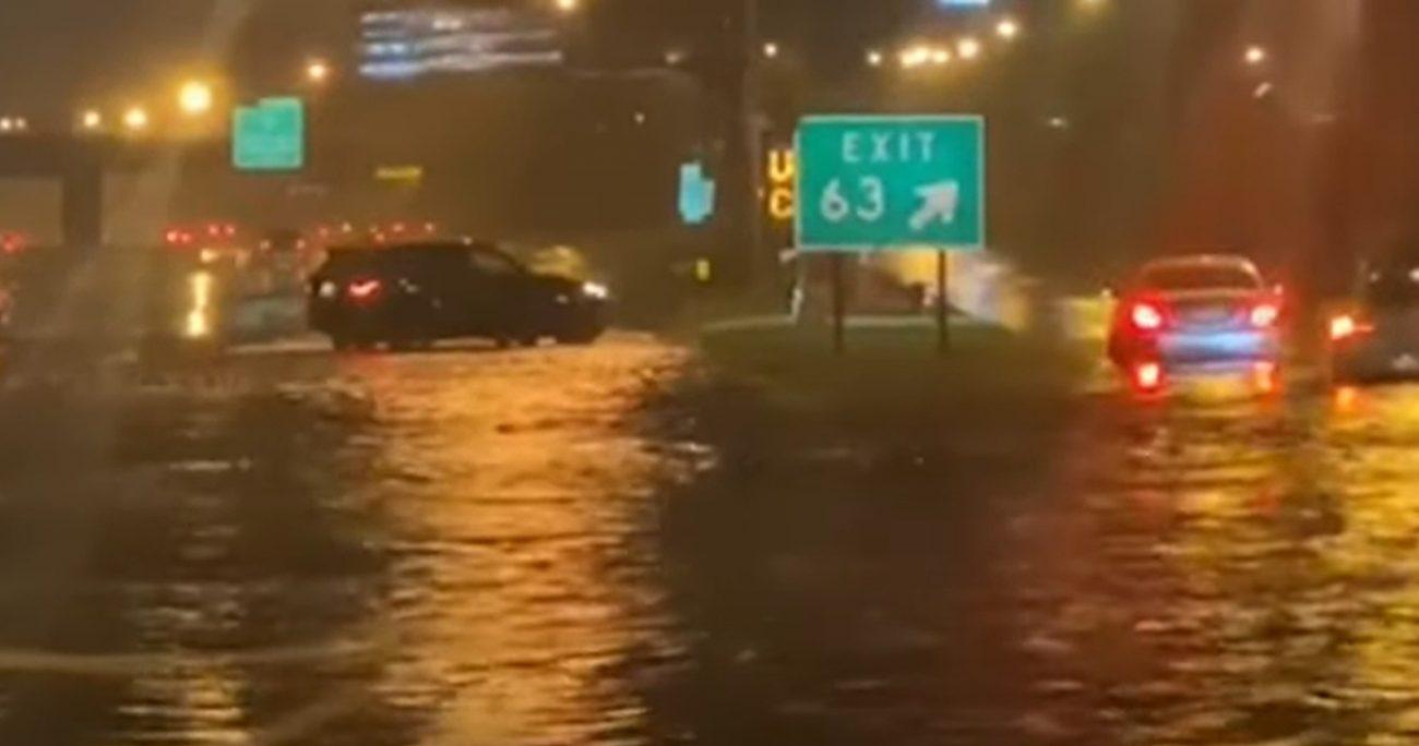 La víctima chilena se encontraba en el estacionamiento de un auto al momento de las inundaciones. CAPTURA DE PANTALLA