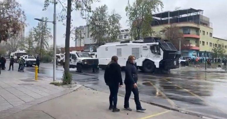 """""""Carabineros dispersó protesta en contra de la Parada Militar en cercanías del Parque O"""