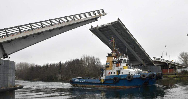 Puente Cau Cau quedó inhabilitado por tres días tras nueva falla